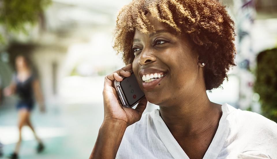 Como reduzir os gastos com telefonia?