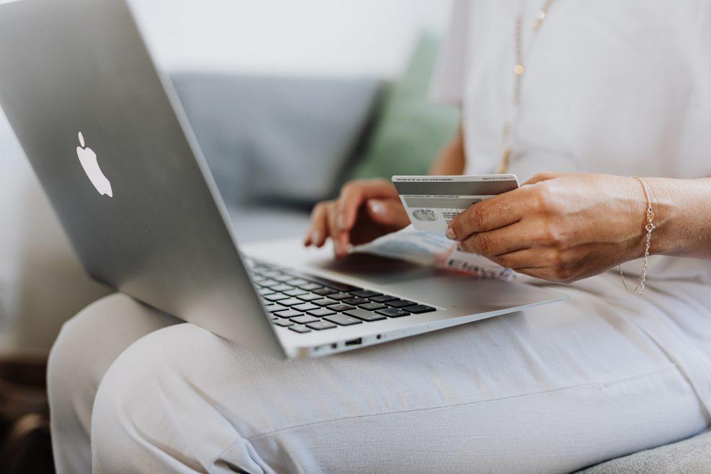 Tecnologia aliada a lojas virtuais